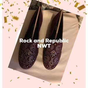 Rock and Republic. Wine colored flat NWT